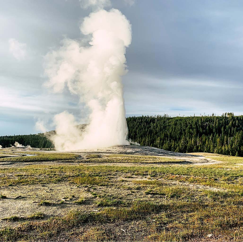 Yellowstone Vacation Packages  SeeYellowstonecom
